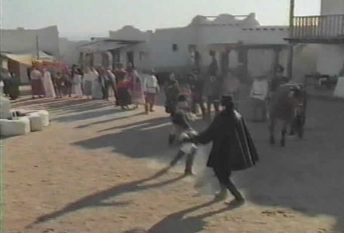 Zorro fights Palomarez.